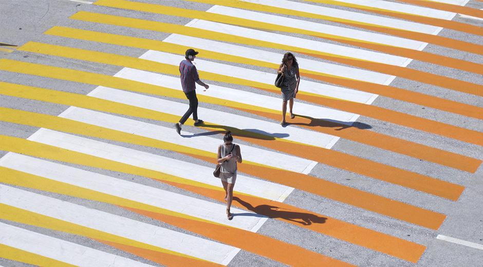 2010 senesinde sergilenmiş Ephem Miami Beach Pasos