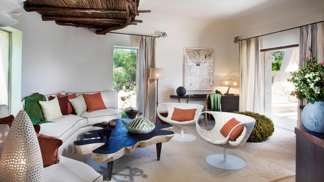 Bithia Villa Suite'in oturma odası