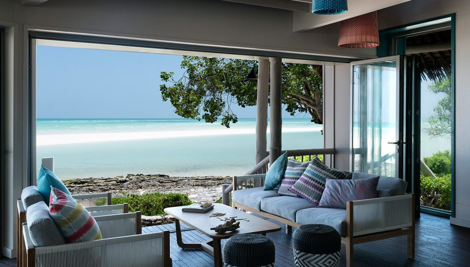 03-anantara-medjumbe-island-lounge-with-indian-ocean-view