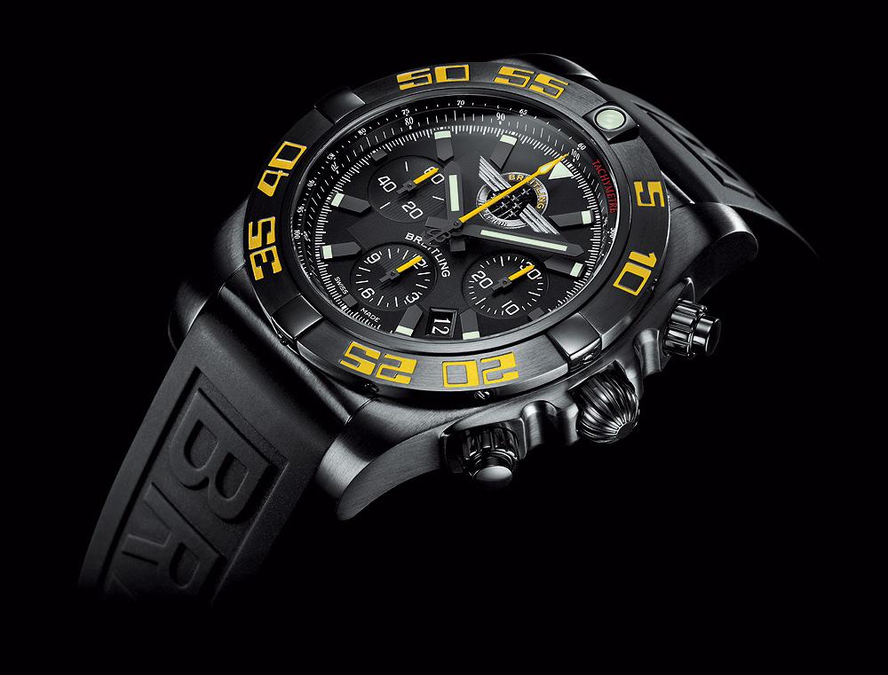 Breitling_Chronomat_44_Jet_Team_angle_1000