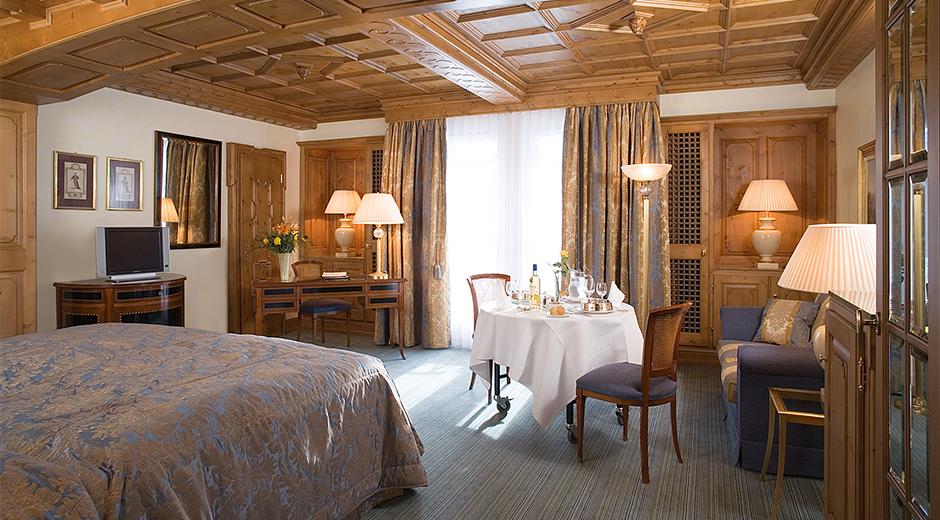 Odalarda sade ve klasik bir dekorasyon tercih edilmiş