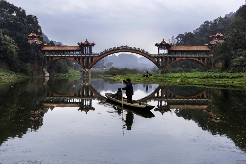 Leshan, China ©Steve McCurry