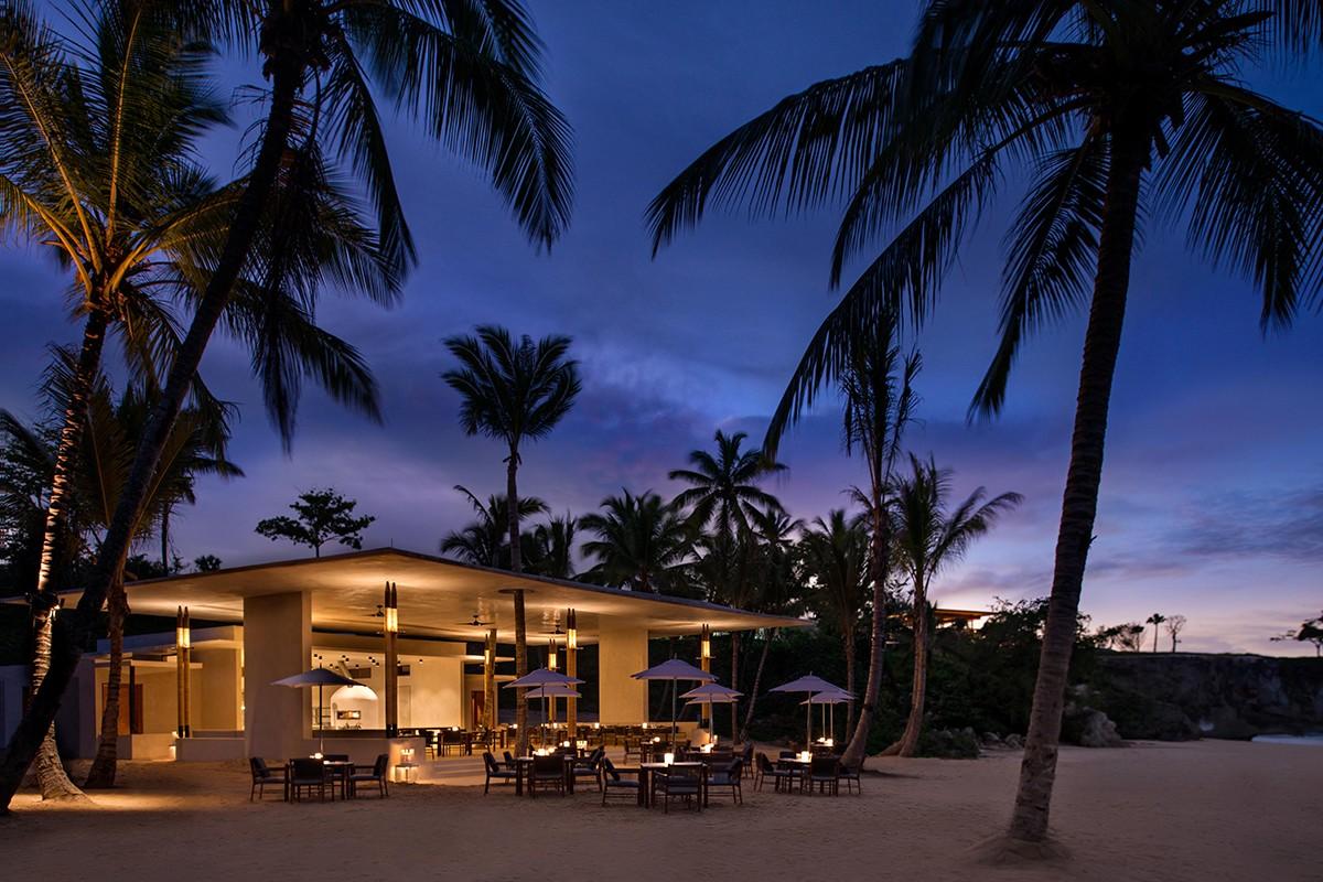 beach-club