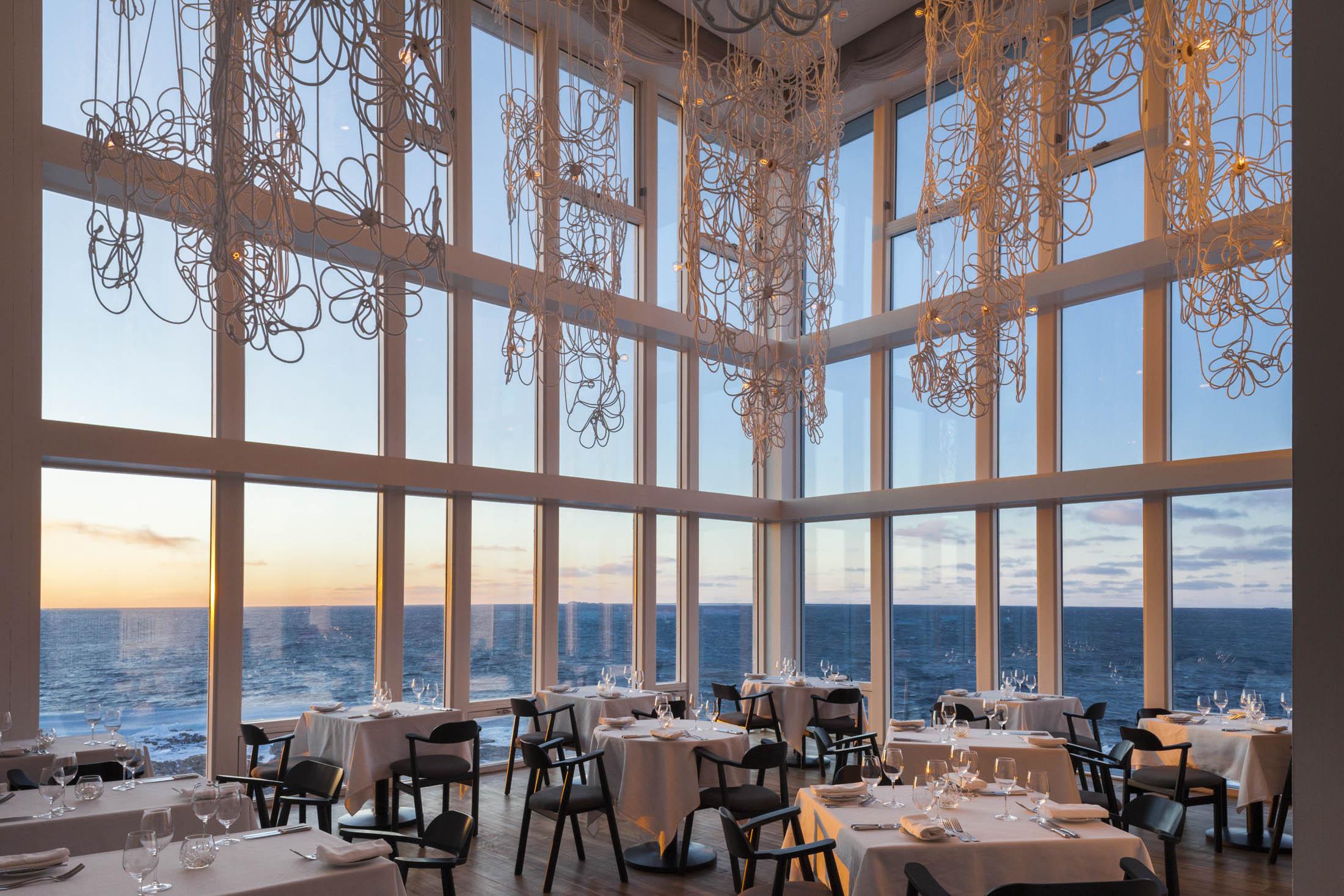 fogo-island-inn-dining-room-newfoundland-bloomberg-pursuits-wide